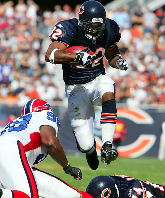 Benson showed how hard he can run last week against the Bills, when he drove home two touchdowns in a blowout. The No. 4 pick of the 2005 draft appears to be the kind of running back who needs 20 or more carries per game to produce at his highest level -- and even with recent improvement, that's not going to happen in Chicago.