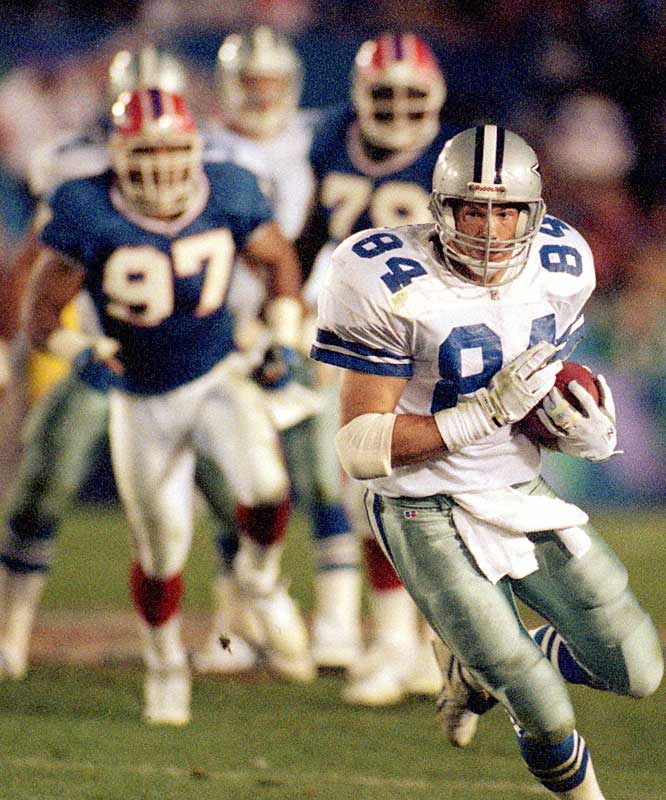 Pro Bowl tight end Jay Novacek was one of the Cowboys' most reliable weapons, with 68 catches for 630 yards. He opened the floodgates in their 52-17 demolition of the Bills in the Super Bowl by grabbing a 23-yard TD pass from Troy Aikman late in the first quarter that erased Buffalo's 7-0 lead.