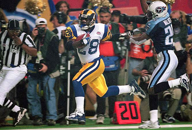 The Rams had one of the most versatile backs in league history in Marshall Faulk, only the second back to ever gain 1,000 yards rushing and receiving in the same season. His 2,429 yards from scrimmage (1,381 rushing, 1,048 receiving) set a single season record.