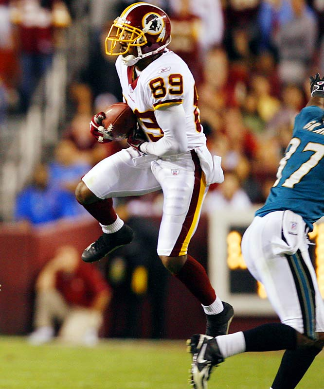 138 ... Santana Moss caught four passes for 138 yards and three touchdowns against the Jaguars, making him the first player with 130 or more yards and three TDs on four or fewer catches since Randy Moss of the Vikings caught three passes, all touchdowns, for 163 yards at Dallas on Nov. 26, 1998.