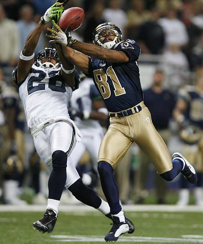 St. Louis receiver Torry Holt had a big game, scoring three touchdowns with 154 yards receiving. The Rams lost on a 54-yard field goal by Josh Brown at the end of the game.