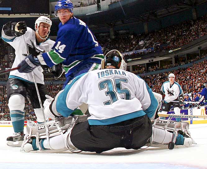 Expected to be a force in the Pacific, the Sharks have stayed on the Ducks' tail with a franchise-best 7-2 start fashioned on the solid netminding of Vesa Toskala (5-0, 1.99 GAA, franchise-record 12 consecutive wins) and the league's best power play (25 percent).