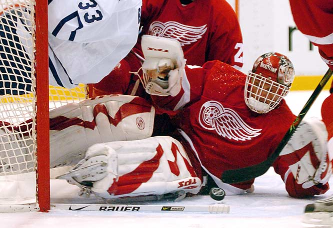 The 13-year veteran and six-time Vezina winner is hoping that his third time in Detroit -- the scene of his 2002 Stanley Cup triumph -- will be a charm after an injury-plagued 2005-06 in Ottawa. He and Chris Osgood give the Wings two seasoned veterans in net with Cups on their resumes.