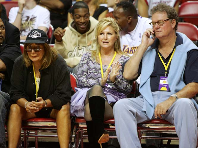 Meanwhile, the star power took a big dip in LA-LA Land as Paris Hilton's parents, Kathy and Rick, took in a Lakers preseason game with Penny Marshall.