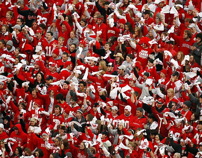 "The Horseshoe was full as more than 105,000 fans -- the largest crowd in Ohio Stadium history -- poured into Columbus for the ""Game of the Century."""