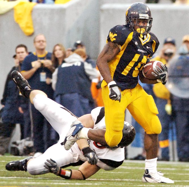 Steve Slaton and the Mountaineers rebounded from the loss to Louisville in a big way as Slaton ran for 148 yards and two touchdowns in the win.