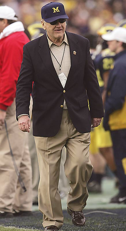 Schembechler served as the Michigan athletic director from 1988 to 1990. From 1990 to 1992 he worked as president of the Detroit Tigers.