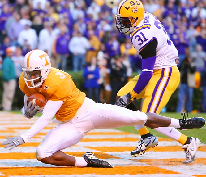 Nobody can stop talking about David Cutcliffe's unbelievable impact on QB Erik Ainge, but the Vols' new offensive coordinator also had a profound influence on Meachem. Prior to this season, the 6- 3, 210-pounder had been somewhat of a letdown. But in 2006, Meachem has become one of the nation's premier targets, averaging 105.42 yards receiving yards per game (third nationally).