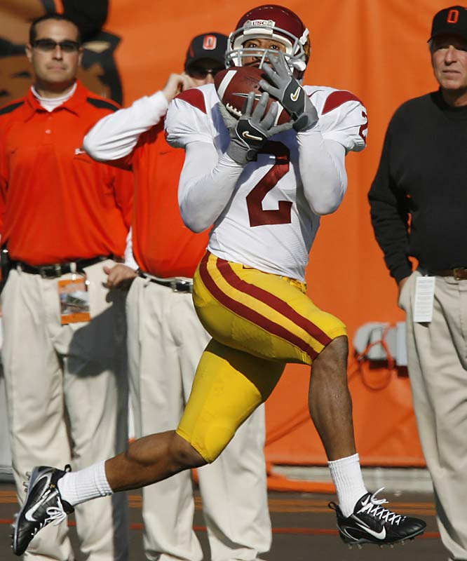 While Dwayne Jarrett has become a bona fide superstar, his partner in crime, Smith, flies under the national radar. But Smith averages 97.3 receiving yards per game (fifth nationally). Anyone who tuned into USC's upset loss to Oregon State gained an instant appreciation for Smith, who hauled in 11 passes for 258 yards and two touchdowns.