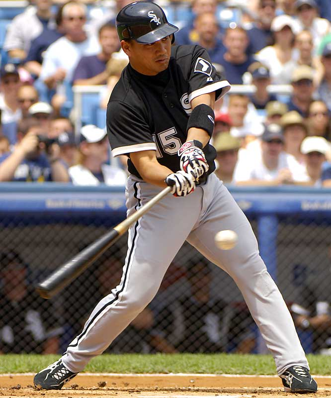 The 30-year-old Iguchi solidified the Chicago White Sox's infield and the No. 2 spot in their lineup and helped lead them to a World Series title in his rookie year of 2005. He batted .278 with 15 home runs 15 stolen bases and finished fourth in AL Rookie of the Year balloting.