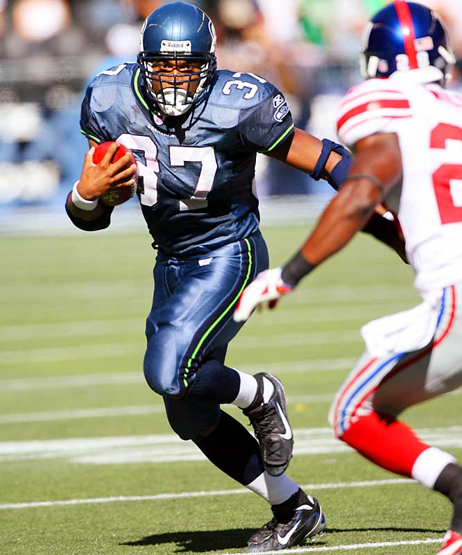 The 2005 rushing leader and MVP, and the only player in league history to score at least 15 touchdowns in five consecutive seasons, Alexander hasn't played since a Sept. 24 game against the Giants in which he suffered a fractured left foot.