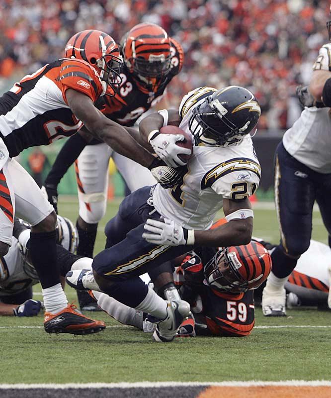 San Diego running back LaDainian Tomlinson scored four touchdowns against Cincinnati, tying his career high.  Tomlinson has 15 touchdowns in his last five games.