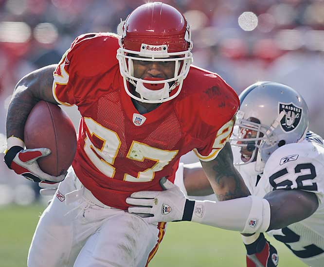 Kansas City running back Larry Johnson ran for 154 yards and two touchdowns against the Raiders on his 27th birthday Sunday.  Johnson's devastating ground-attack helped quarterback Trent Green win in his return, 10 weeks to the day after the concussion he took against Cincinnati.