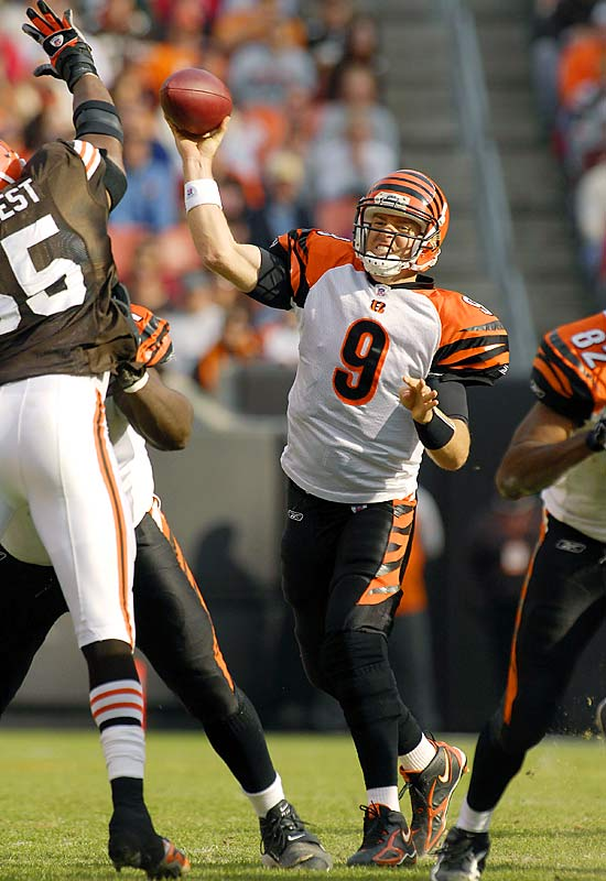 Carson Palmer completed 25 of 32 passes for 275 yards and three touchdowns as the Bengals held an opponent scoreless for the first time since 1989.