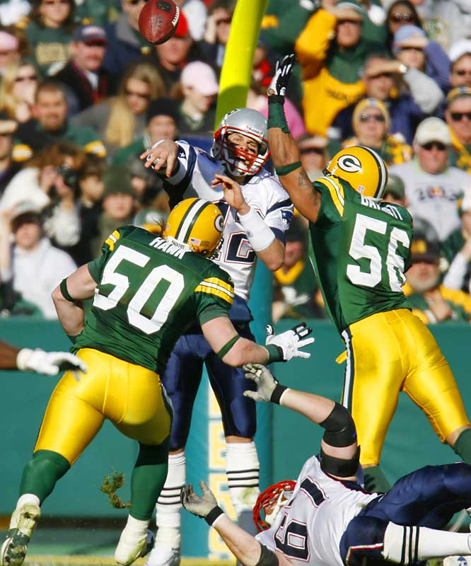 88.4 ... Tom Brady's four-touchdown, no-interception performance against the Packers boosted his career passer rating from 87.8 to 88.4 and moved him past Trent Green (88.1) and into seventh place in NFL history.
