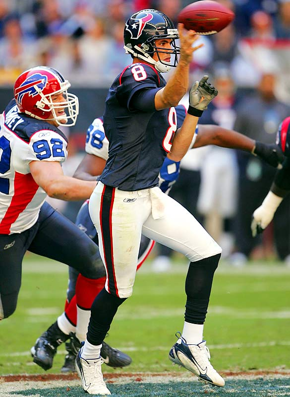 22 ... David Carr tied the NFL single-game record of 22 consecutive completions in the Texans' 24-21 loss to the Bills. The record was set by Redskins quarterback Mark Brunell earlier this year against the Texans in the same stadium.