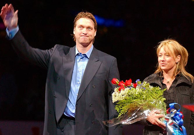 The much-honored goaltender retired on May 28, 2003 and his number 33 followed suit during a ceremony in Denver the following October. Accompanied by wife Michele, Roy waved farewell to the Avs and their fans.