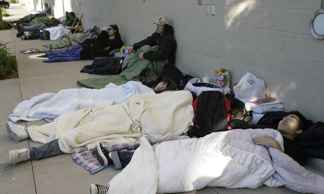 Are these people lined up to get into the Michigan-Ohio State game? Nope. They're waiting for PlayStation3.