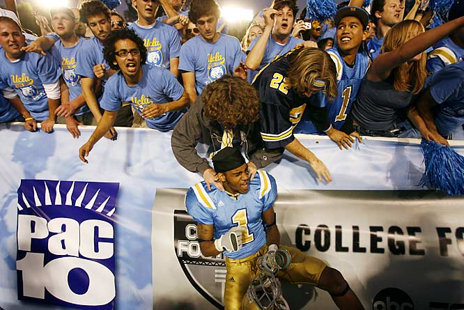UCLA receiver Brandon Breazell got some love from Bruins fans.
