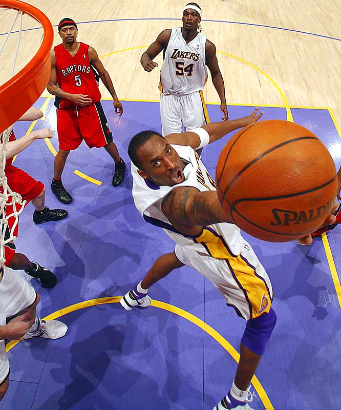 In the second-biggest scoring binge in NBA history, Kobe Bryant poured in 81 points in 41 minutes, hitting 28-of-46 from the field, 7-of-13 from long range, and 18-of-20 from the free-throw line. The Raptors actually entered the second half with a 14-point lead, but Kobe outscored them 56-41 in the second half as the Lakers pulled out a 122-104 win.