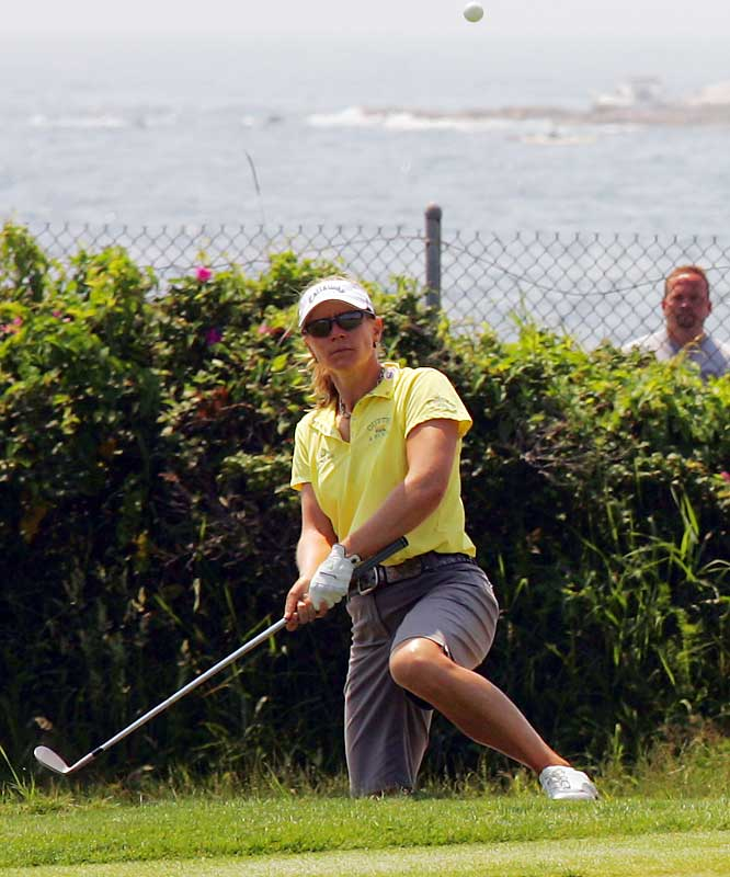 Annika Sorenstam won her 10th major and third Open by dominating Pat Hurst in an 18-hole playoff at Newport, R.I.