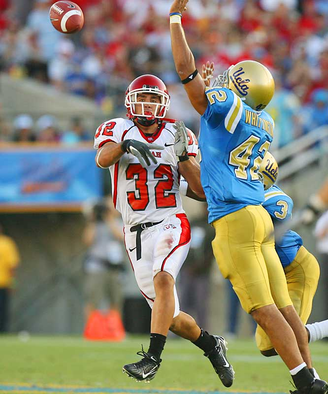 Tulsa vs. Utah <br><br>A first-team All America as a corner on many lists, Eric Weddle is probably the most versatile player in America. Besides his standup work for Utah as a corner, Weddle has rushed 34 times for 147 yards and four touchdowns and has even thrown a touchdown pass.
