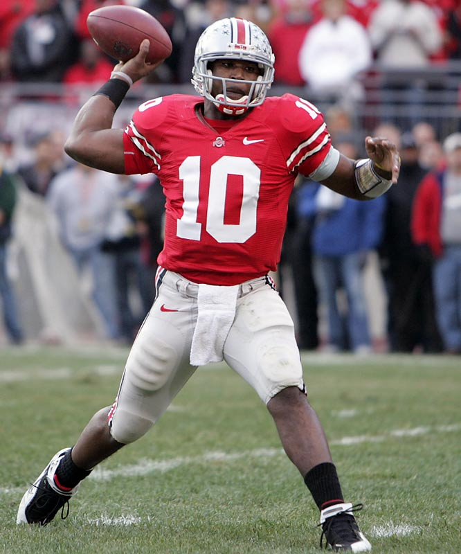 Smith guided the Buckeyes to an undefeated regular season, by throwing 30 touchdowns to just six interceptions. The Buckeyes senior set a Heisman record by receiving 86.7 percent of the first-place votes. But Florida revealed Smith's Buckeyes as a fraud with a 41-14 whooping in the BCS National Championship Game.