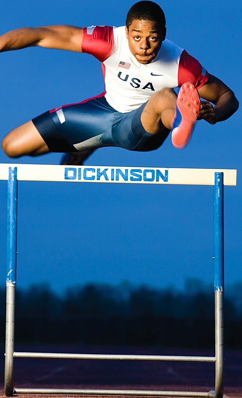 Dickinson (Dickinson, Texas) hurdler Cordera Jenkins won the gold medal at the 2005 World Youth Championships.