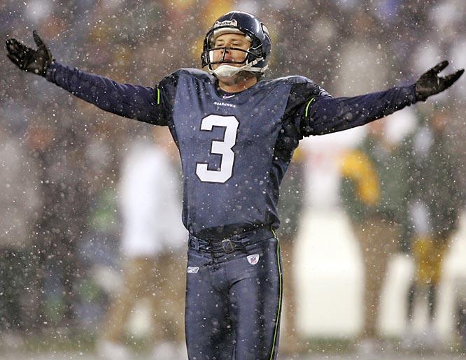 """Seahawks kicker Josh Brown can't help but belt out """"Let It Snow, Let It Snow, Let It Snow."""""""