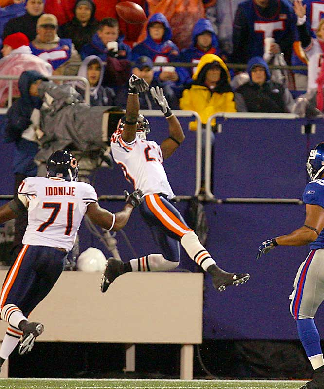 The Bears' rookie changed games all season with his incredible return skills, but his ultimate highlight came in Week 10. Giants kicker Jay Feely attempted a 52-yard field goal in the fourth quarter and it came up short. Hester simply stood in the end zone for a few seconds after he caught the ball. The Giants were fooled into believing the play was over, and as they started to leave the field, Hester zipped down the sideline for a 108-yard TD -- tying the NFL record for longest return. The score sparked a 38-20 come-from-behind win for Chicago. Hester had six TD returns on the season, another NFL record.