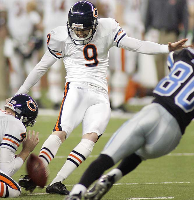 Robbie Gould went 4-for-4 on field goals against Detroit, including three in the fourth quarter. Backup quarterback Brian Griese replaced Rex Grossman in the fourth quarter and led Chicago down the field to set up the final two field goals by Gould.