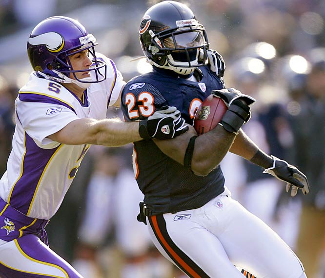 4 ... Devin Hester's 45-yard punt return for a touchdown in the Bears' win over the Vikings made him the first rookie in 39 years with four scoring returns in the kicking game in the same season. The last rookie to do so was Travis Williams of the Packers, who returned four kickoffs for touchdowns in 1967.