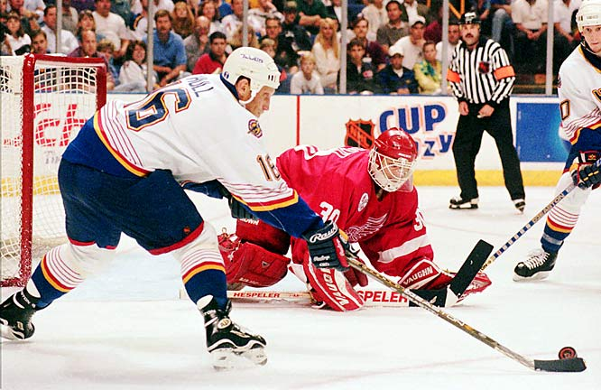One of the great disappointments of Hull's time in St. Louis was that the Blues never advanced beyond the conference semi-final round during his 11 seasons. His last playoff hurrah came in 1998 with the Blues sweeping the Kings before falling to the defending Cup champion Red Wings.