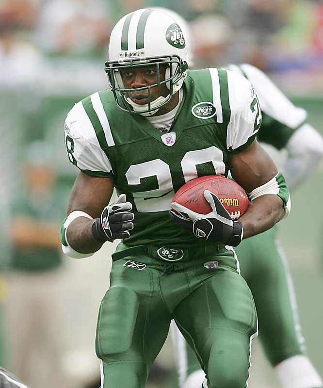 "The only thing missing is the ""official"" retirement announcement, but there's little doubt the 11-year veteran has played his last game in the NFL. Martin and Barry Sanders are the only players to begin their careers with 10 consecutive 1,000-yard seasons. Martin retires as the Jets all-time leading rusher (10,302 yards) and is fourth on the NFL's all-time rushing list (14,101)."