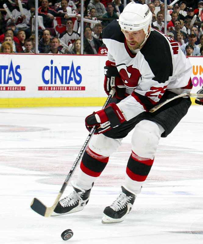 A fearless forward and skilled face-off specialist who won Stanley Cups with Calgary (1989), Dallas (1999) and New Jersey (2003), Nieuwendyk closed out his career 19th on the all-time goal scoring list (559). He won the Conn Smythe Trophy as playoff MVP in 1999 and an Olympic gold medal with Team Canada three years later.