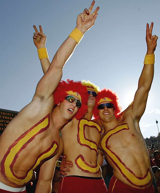 USC fans cheer prior to the Trojans' Rose Bowl matchup against Michigan.