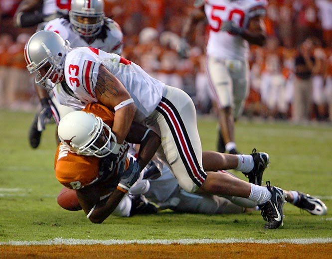 Smith throws for 269 yards and two touchdowns, but the game's biggest story is the Buckeyes' defense. Ohio State, which lost nine starters on defense from 2005, holds the defending national champion Longhorns to a single score.