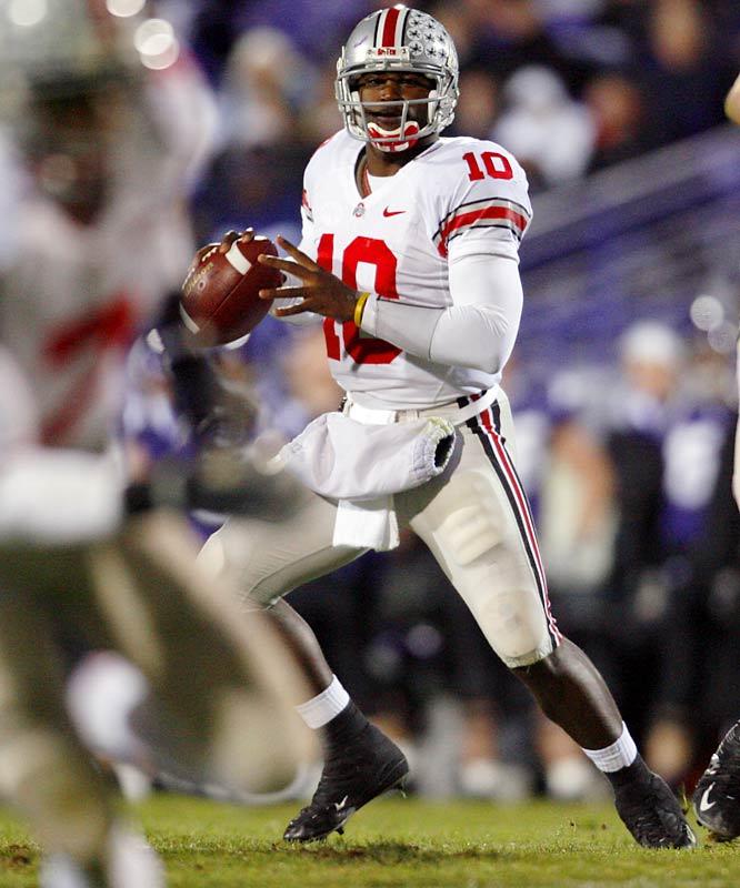 Ohio State accumulates a season-high 54 points, as Smith throws four touchdown passes.