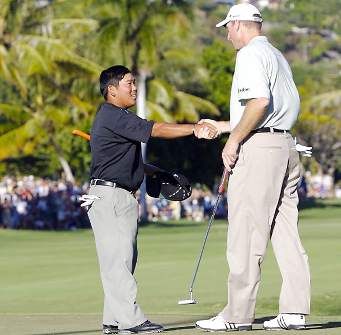 Fujikawa may be just 5-foot-1 but he played big-time -- and pros such as Jim Furyk appreciated being part of the ride.