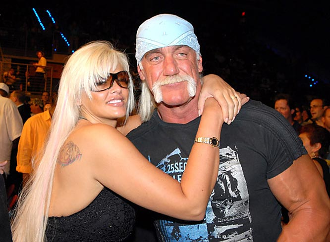 Reality show titans, Anna Nicole Smith and Hulk Hogan took in last week's WBC Heavyweight Championship fight between Samuel Peter and James Toney.