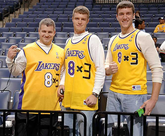 These fans obviously didn't help make Kobe Bryant's new No. 24 the NBA's top-selling jersey.