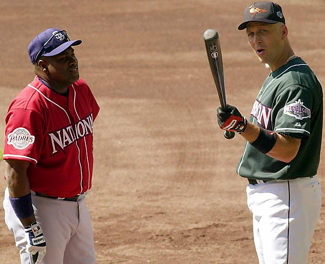 Gwynn and Cal Ripken Jr. chat prior to the 2001 All-Star Game in Seattle, the last Midsummer Classic for both stars.