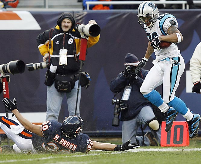 In this case, Brown will take the bullet for the entire Bears' secondary. In their two playoff games this decade, Chicago's defensive backs have totally let them down. Last year, Brown & Co. were schooled by Carolina's Steve Smith in a 29-21 loss. In 2001, the Eagles moved the ball at will against the Bears' vaunted D in a 33-19 Chicago loss.