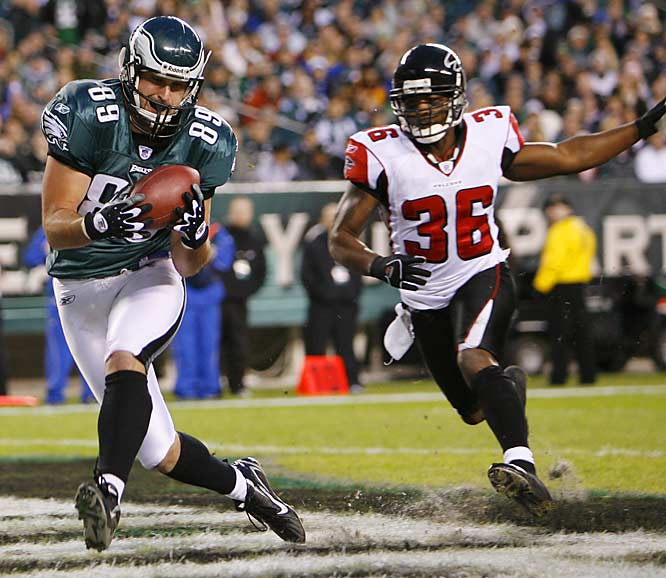 Tight end Matt Schobel pulls in a 14-yard touchdown pass from quarterback A.J. Feeley in the first quarter against Atlanta.  Feeley came in to give starter Jeff Garcia a rest for the playoffs and threw for a career-best 321 yards and three touchdowns in the Eagles fifth straight win.
