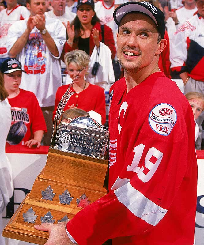 The Red Wings' sweep of the Capitals in the 1998 Stanley Cup final gave them back-to-back championships. Yzerman led all players in scoring during the playoffs with 24 points in 22 games. He scored two goals in Game 2 of the finals and was later awarded the Conn Smythe Trophy.