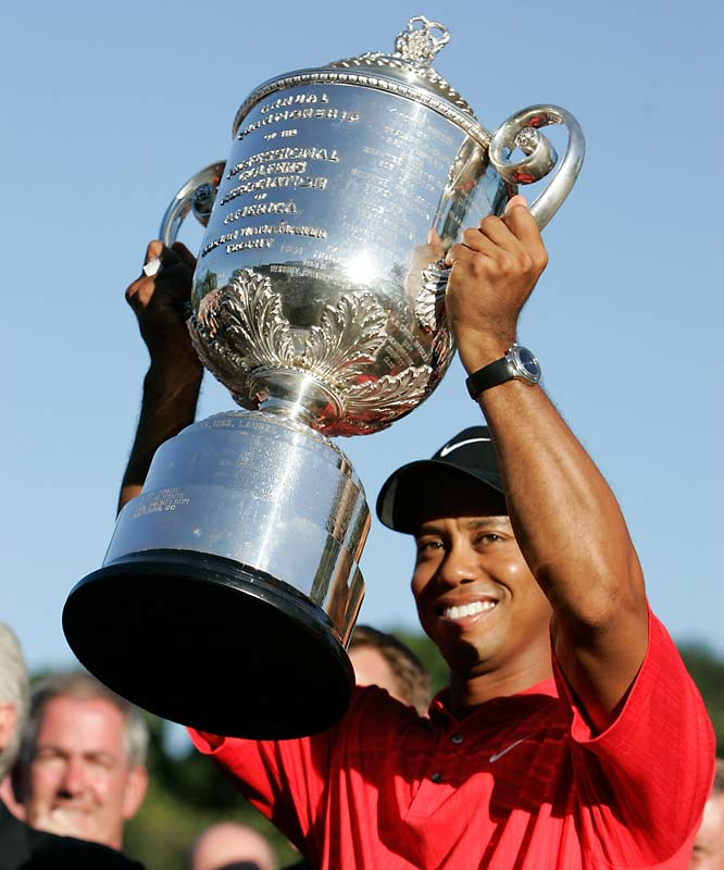 Thanks to a course-record 65 in the third round at Medinah, Tiger cruised to a five-shot win and his 12th career major. That puts him two-thirds of the way to Jack Nicklaus' all-time mark.