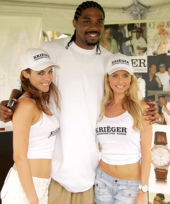 Udonis Haslem looks quite comfortable hanging with the Krieger Watch Girls during the 2006 Celebrity Golf Tournament in Miami last summer.