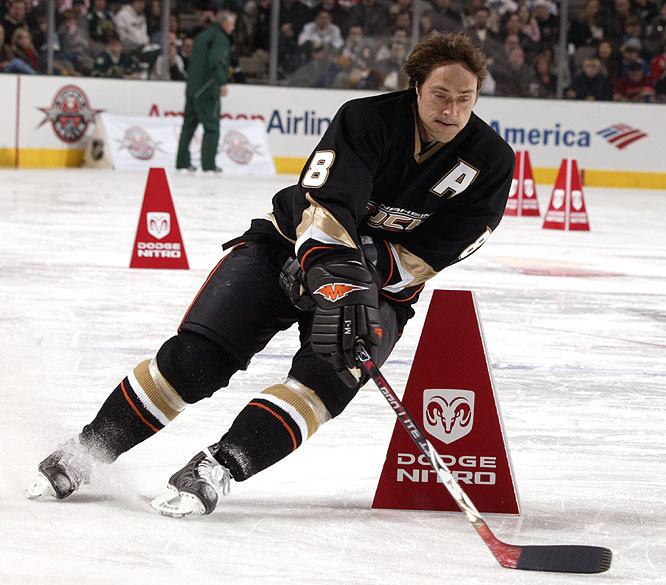 With Teemu Selanne serving as the anchor, the West pulled out a tie in the puck relay.