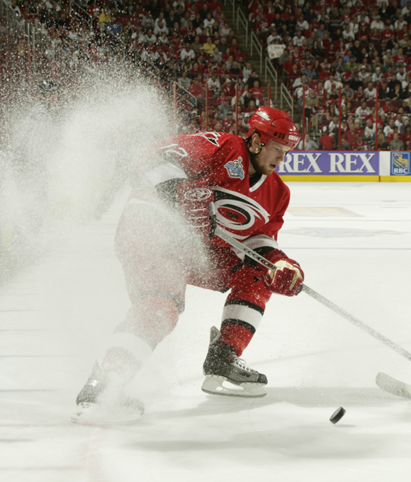 Staal became the fastest player to score 25 goals in franchise history by hitting the mark in the 34 game of the 2005-06 season.