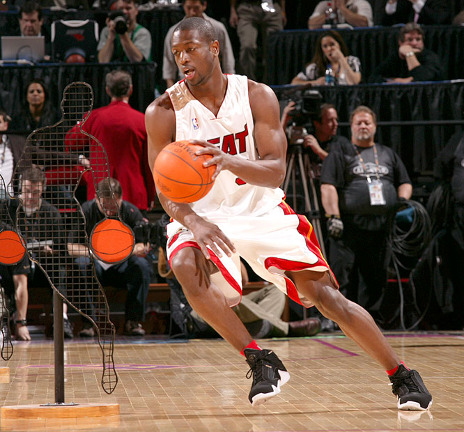 Dwyane Wade defended his title in the Skills Challenge, beating out Kobe Bryant, LeBron James and Chris Paul.